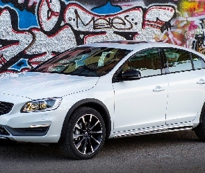Cross Country, Volvo S60