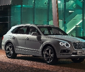 2018, Bentley Bentayga Hybrid