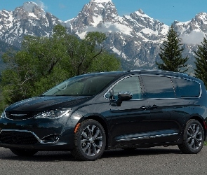 Chrysler Pacifica II