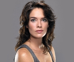 Lena Headey, Top, Szary, Brunetka