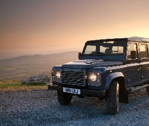 Defender, Land Rover